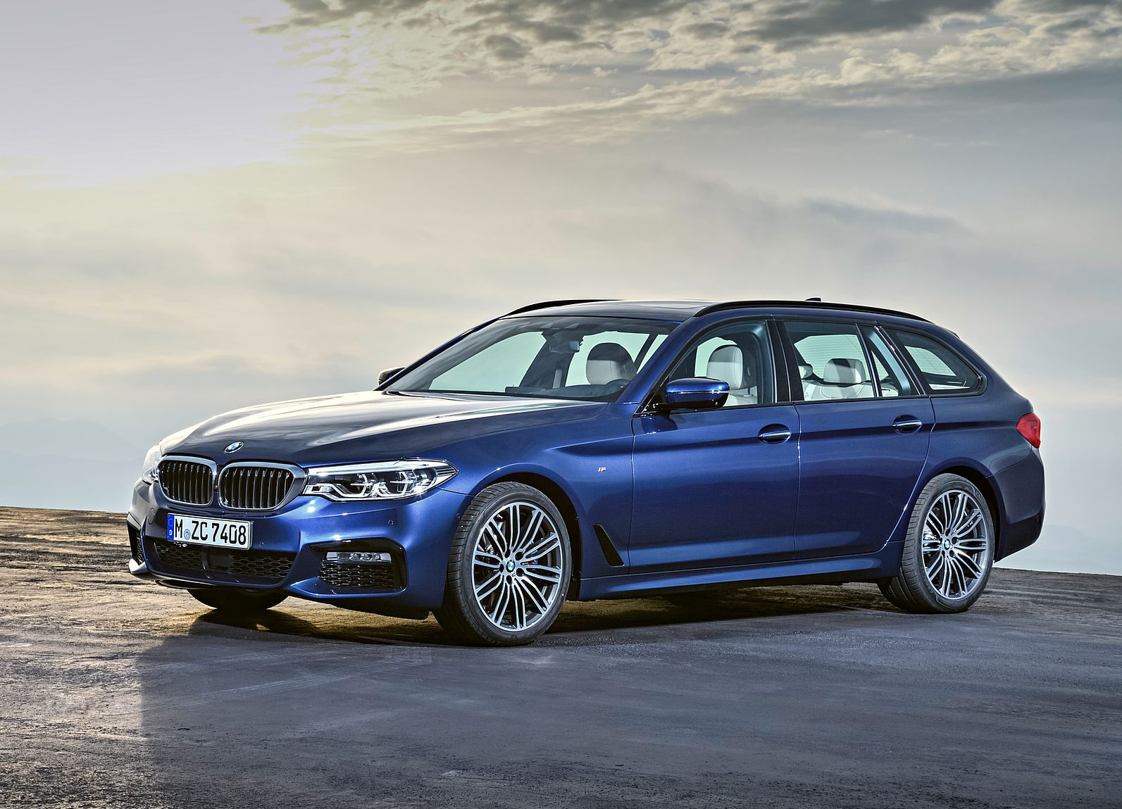 BMW SERIES 5 530d Business Auto Touring