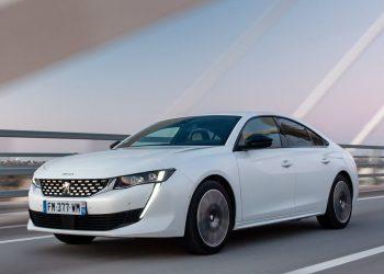 peugeot 508 hybrid berlina fronte 350x250 - Noleggio a lungo termine per aziende